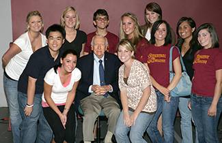 Walter Cronkite meets with Cronkite students during a fall 2007 visit to the school.